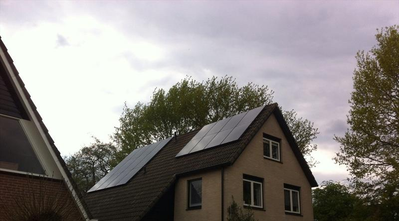 5,3 KW DOMESTIC PV SYSTEM IN WAPENVELD, 250W  8.33 SOLAR MONO CRYSTALLINE (GALLIUM) BLACK MODULES
