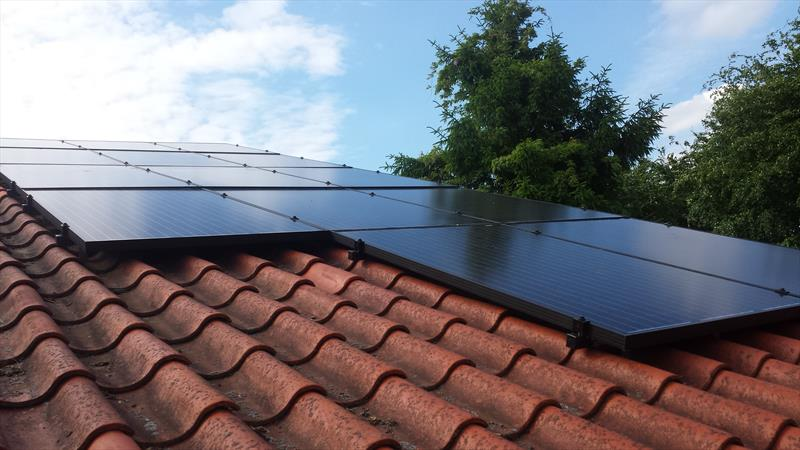 3.5 KW DOMESTIC PV SYSTEM IN ALMELO  250W 8.33 SOLAR ETERNITY.